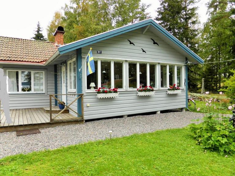 1-floor-blue-cottage (1)