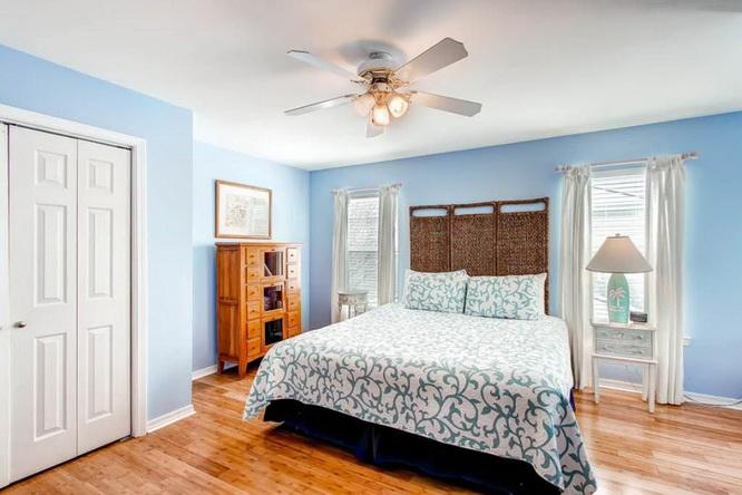 2 storey blue wooden villa (25)