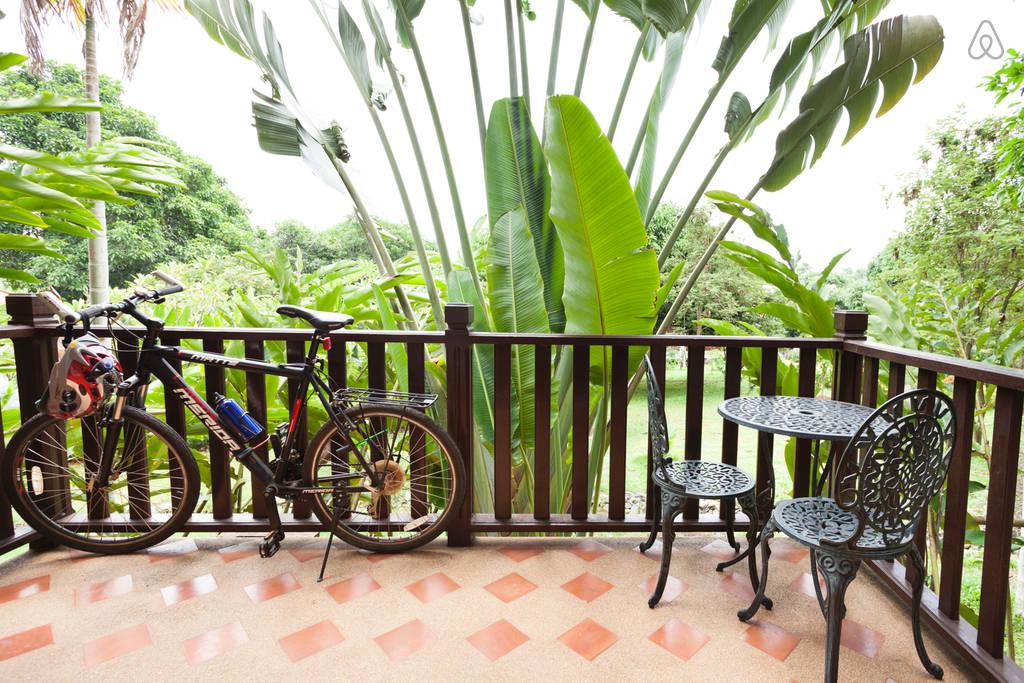2 storey contemporary thai style villa (10)