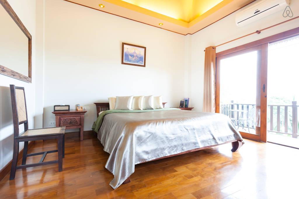 2 storey contemporary thai style villa (14)