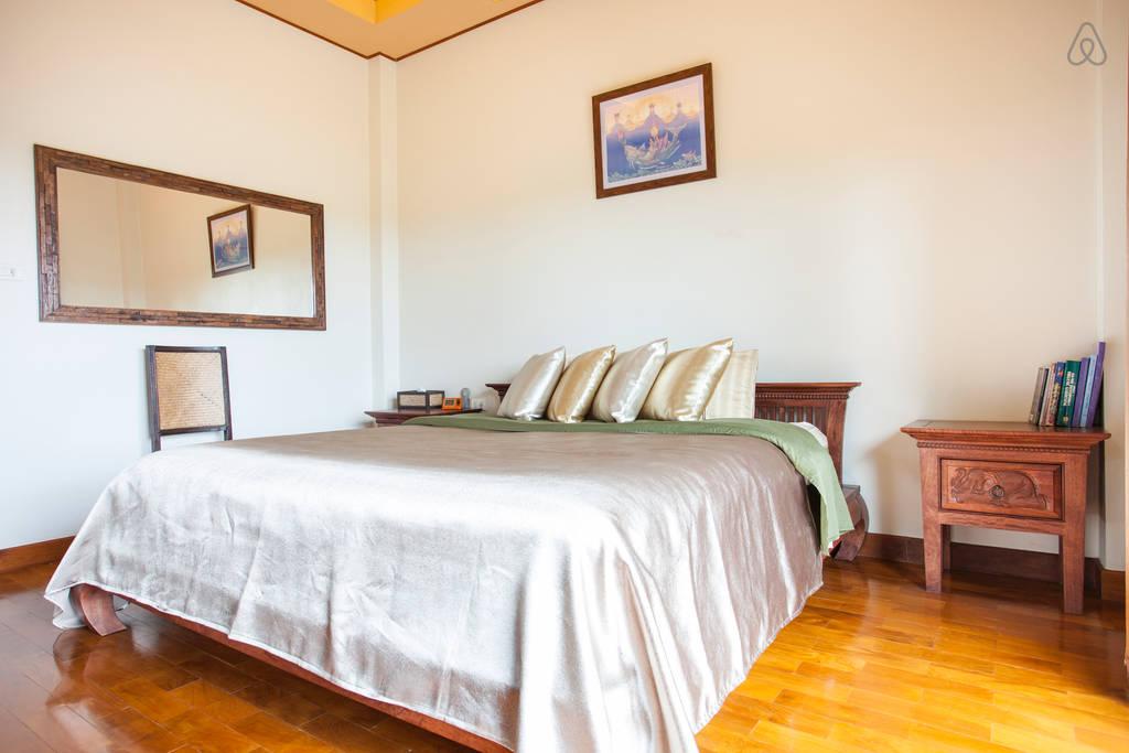 2 storey contemporary thai style villa (15)