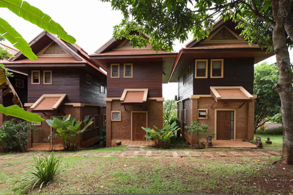 2 storey contemporary thai style villa (3)