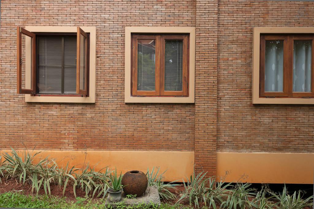 2 storey contemporary thai style villa (5)
