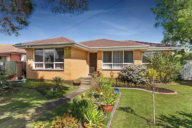3 bed room brick house (1)