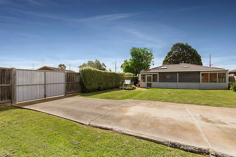 3 bed room brick house (11)