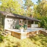 บ้านไม้คอทเทจกลางธรรมชาติ กับระเบียงขนาดพอเหมาะ