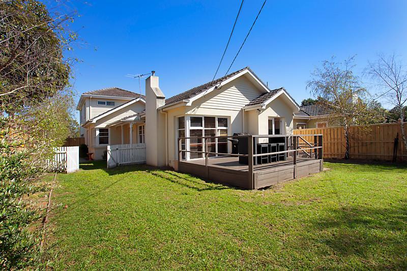 Big family home on invaluable corner land (1)