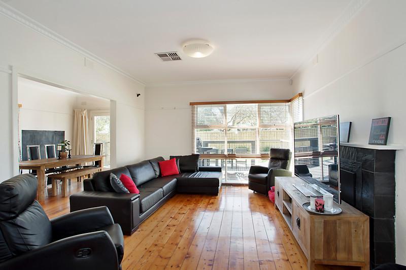Big family home on invaluable corner land (2)