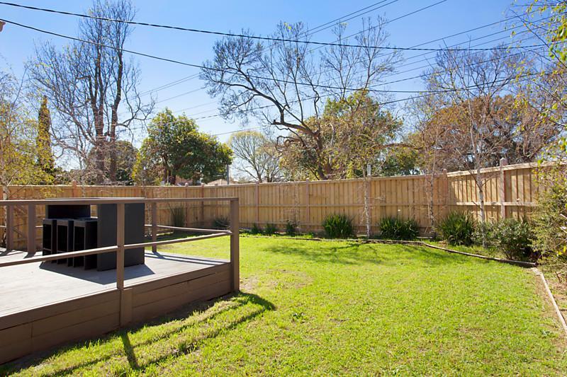 Big family home on invaluable corner land (6)