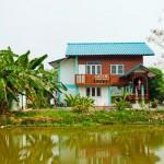 บ้านร่วมสมัยสไตล์ไทยๆ ผสมผสานวัสดุแบบใหม่ กับตัวบ้านไม้แบบคลาสสิค