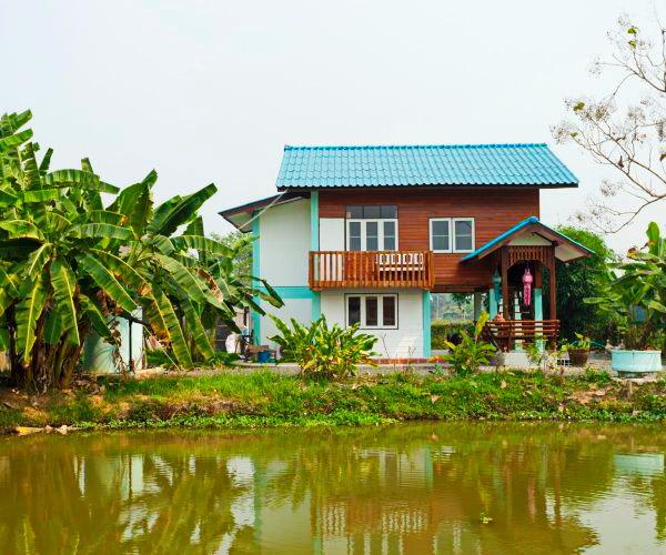 contemporary rural riverside house (1)