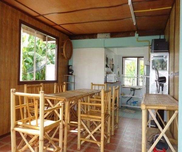 contemporary rural riverside house (11)