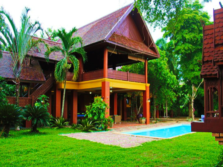 contemporary-thai-style-house-with-pool-10