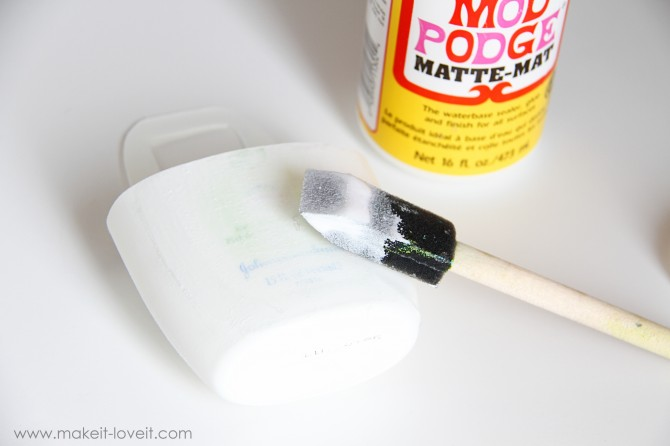 diy holder for cell phone from lotion bottle (12)