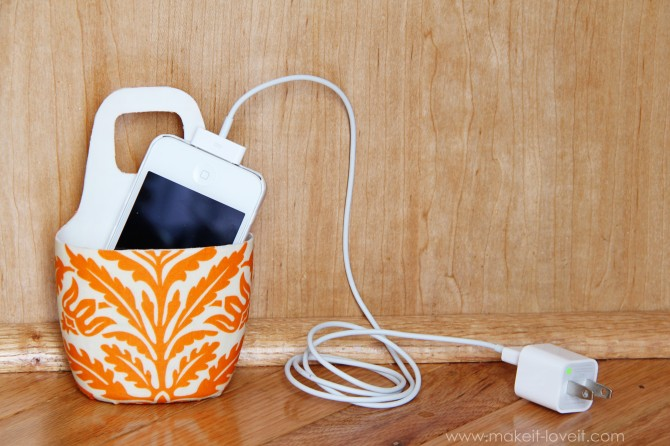 diy holder for cell phone from lotion bottle (3)