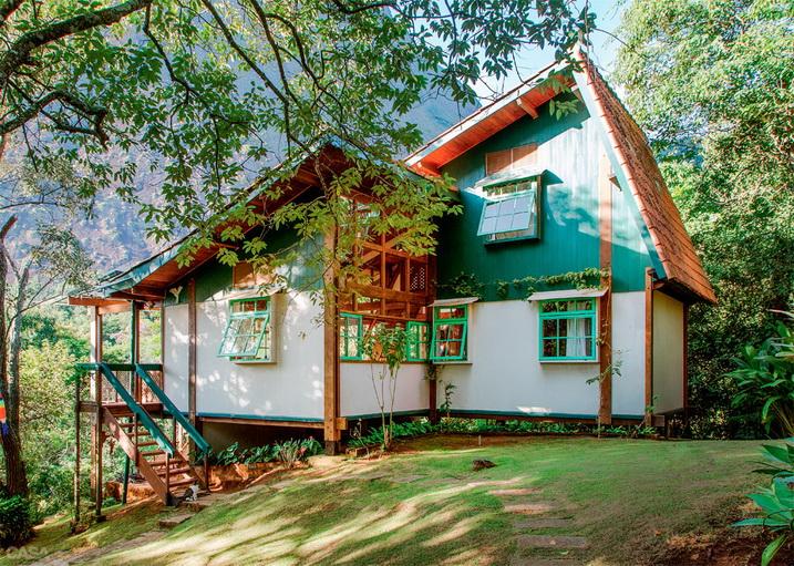 mountain view greenish cottage (1)