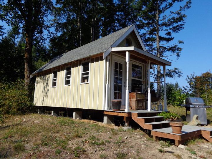 rainier-wooden-cottage (1)