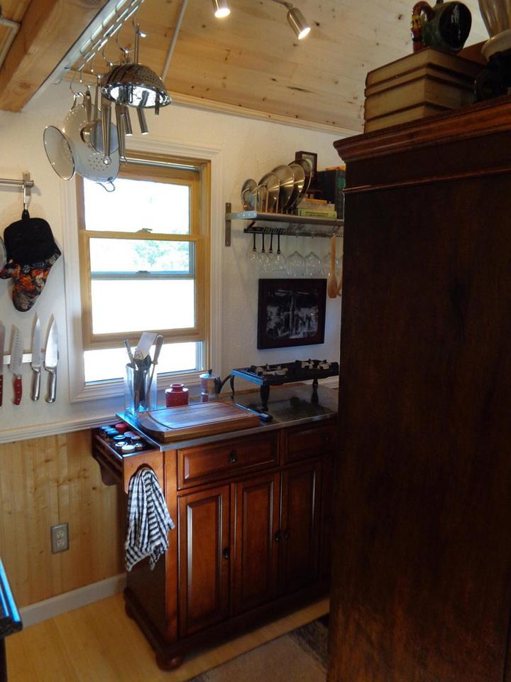 rainier-wooden-cottage (5)