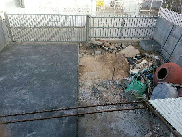 renovate concrete house to coffee shop (14)