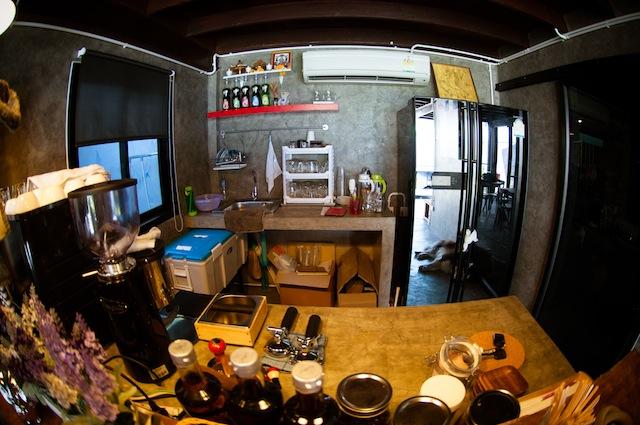 renovate concrete house to coffee shop (28)
