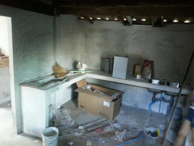 renovate concrete house to coffee shop (6)
