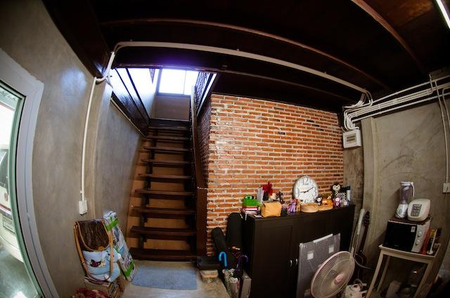 renovate concrete house to coffee shop (9)
