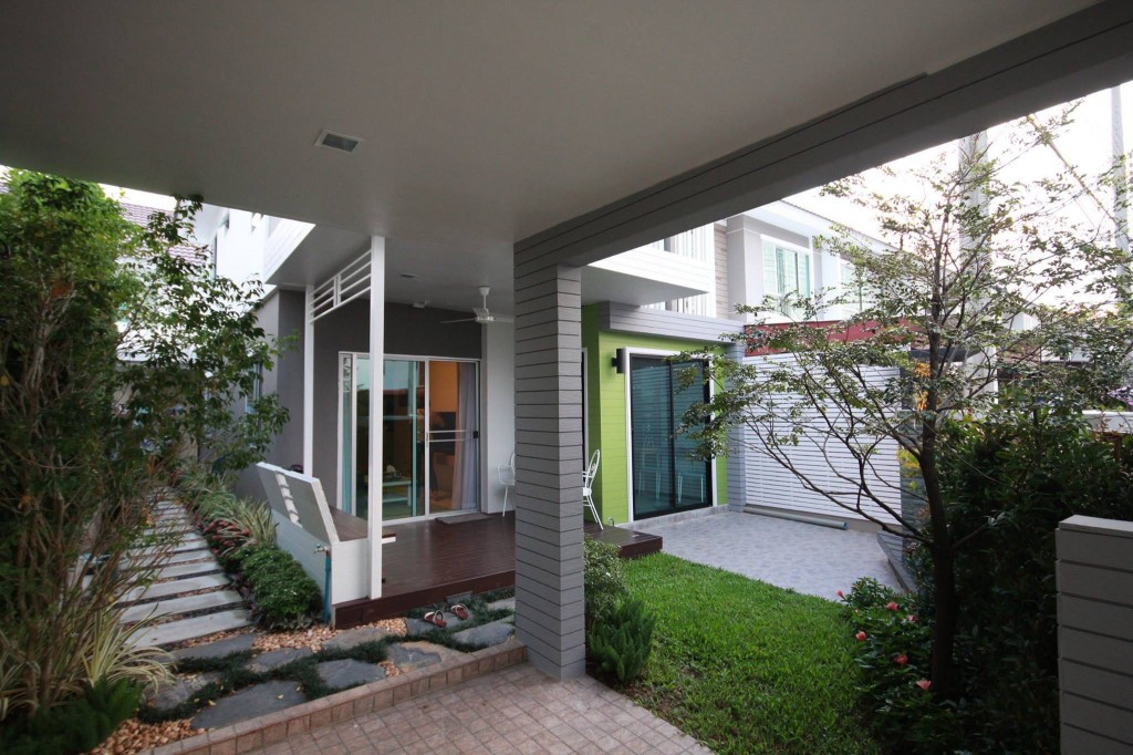 renovate-townhouse-to-single-family-house (54)
