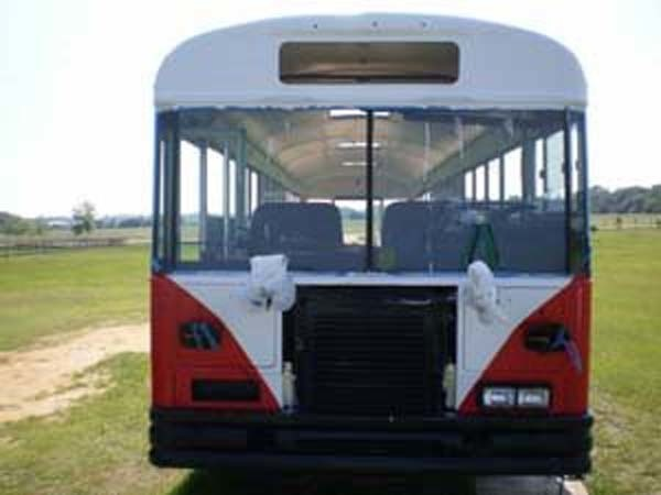 renovates bus to home (4)