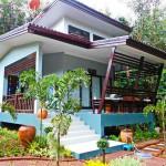 บ้านตากอากาศสีฟ้าสดใส ในพื้นที่ธรรมชาติ สำหรับการพักผ่อนโดยเฉพาะ