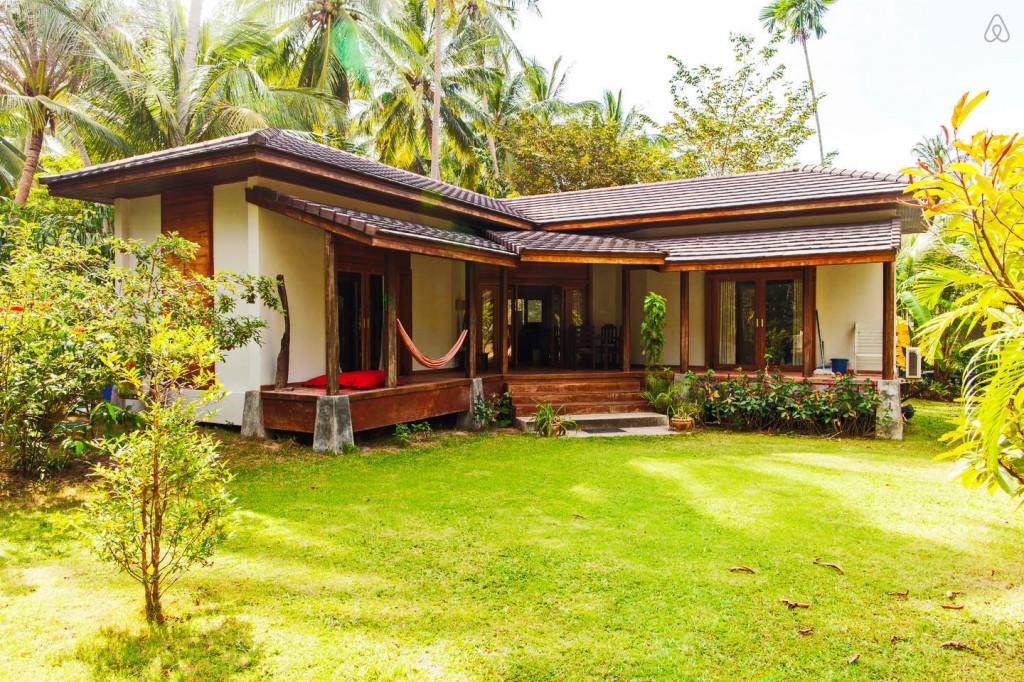 simple wooden white villa (1)