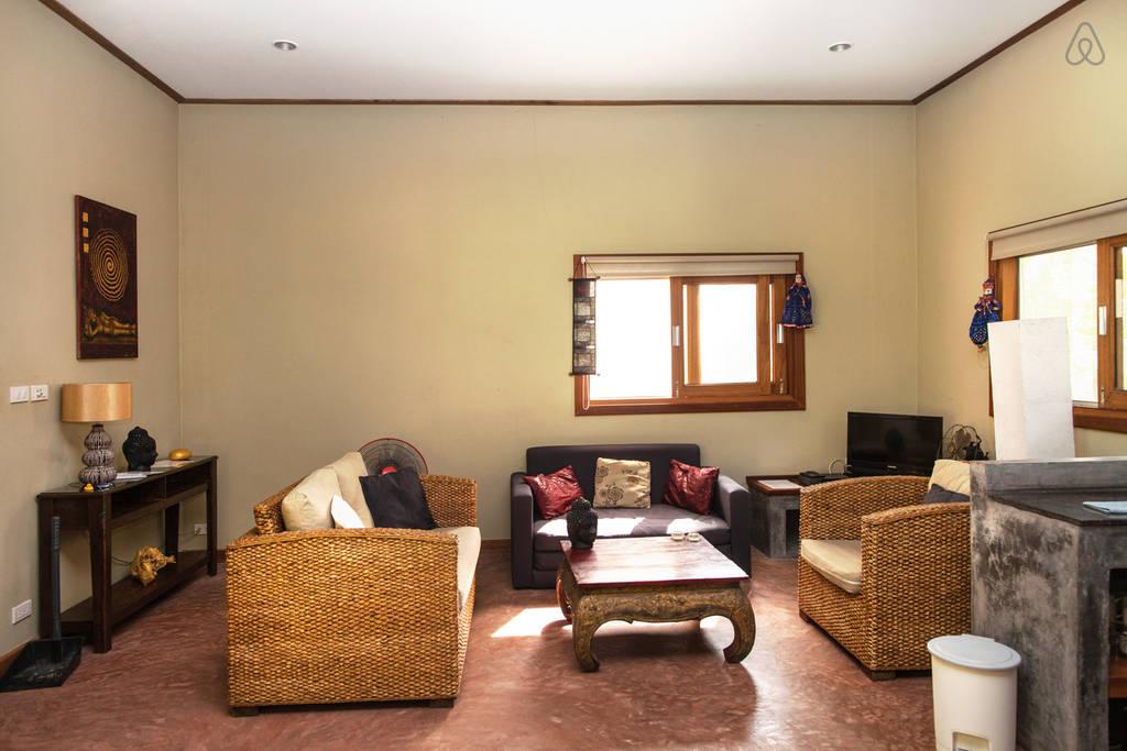 simple wooden white villa (4)