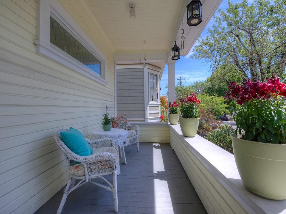 small white vintage house (10)
