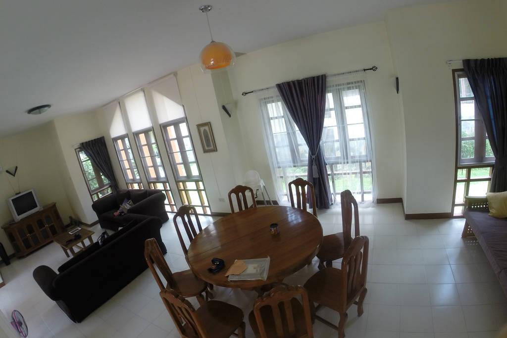 spacious contemporary earth house  (4)