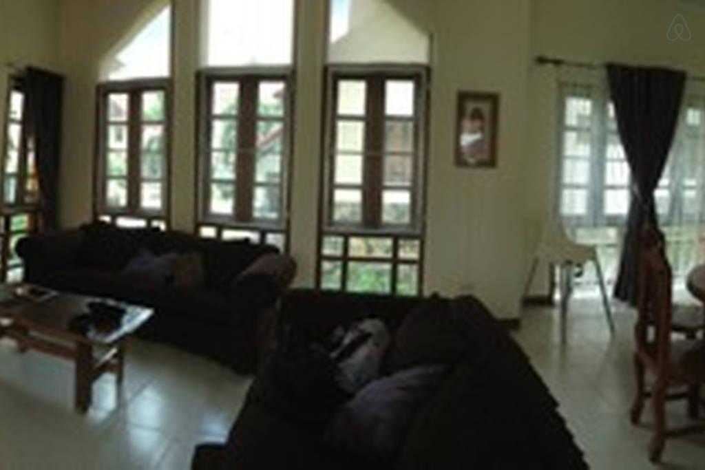 spacious contemporary earth house  (5)
