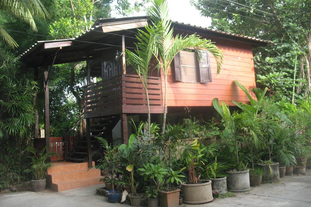 teak house in cm (20)