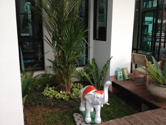 thai contemporary modern big house (15)