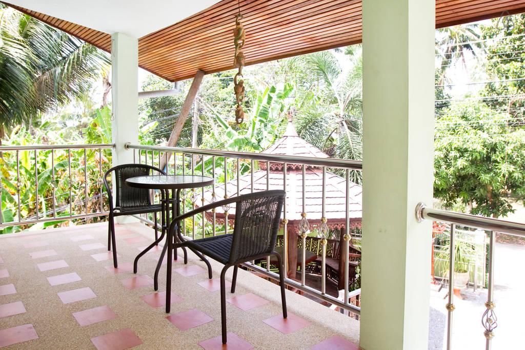 thai contemporary pool house (15)