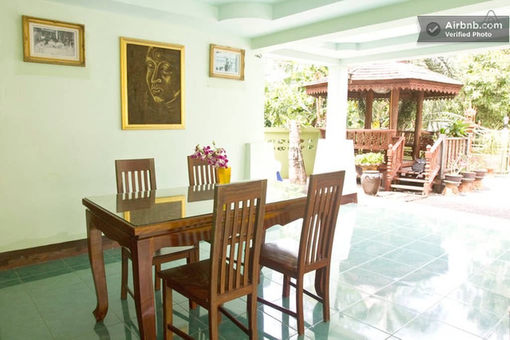 thai contemporary pool house (17)