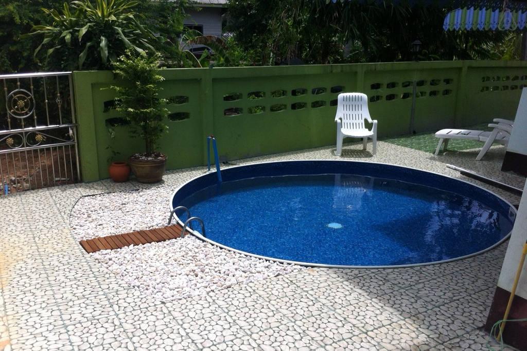 thai contemporary pool house (3)