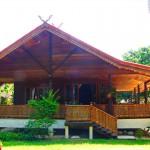 บ้านไม้ทรงใต้ถุน สัมผัสกลิ่นอายแบบไทยๆ ในชีวิตปัจจุบัน