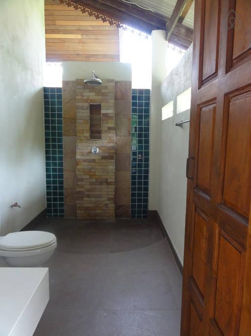 thai oldschool cabin in present life (10)