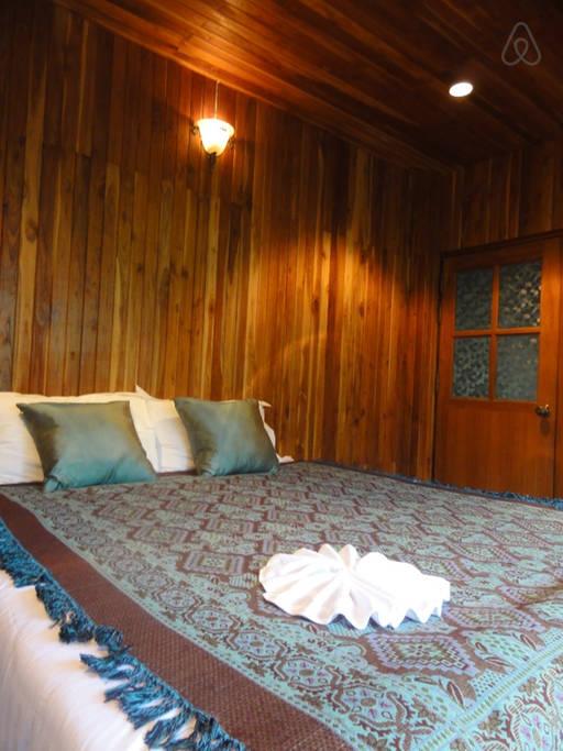 thai oldschool cabin in present life (5)