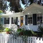 บ้านคอทเทจสีขาวขนาดชั้นเดียว ความอบอุ่นที่ลงตัว