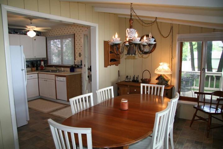white cozy family cottage (2)