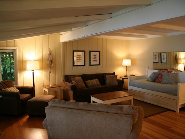 white cozy family cottage (5)