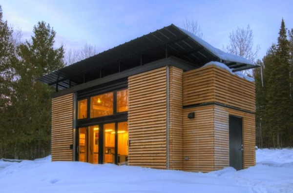 wooden compact house (1)