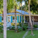บ้านคอทเทจหลังเล็ก สีสันสดใส ความสุขแบบเรียบง่าย