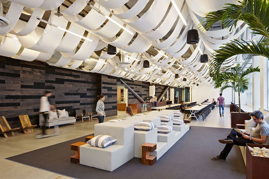 12 coolest offices in the world (23)