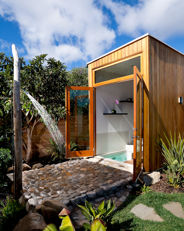 "Camping Bathroom Ideas: ���วม 21 €�ฝักบัวอาบน้ำกลางแจ้ง"" ���ีไซน์มีเสน่ห์น่าหลงใหล"