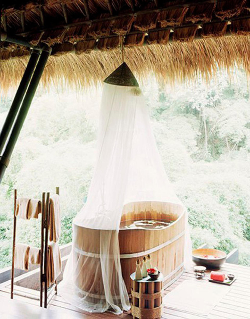 21-wonderful-outdoor-shower-and-bathroom-design-ideas (10)